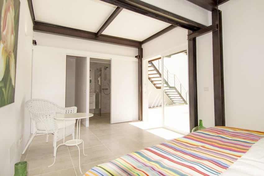 Spain - Canary Islands - La Palma - Tazacorte - Casa Alma Marina - bedroom with bathroom en-suite