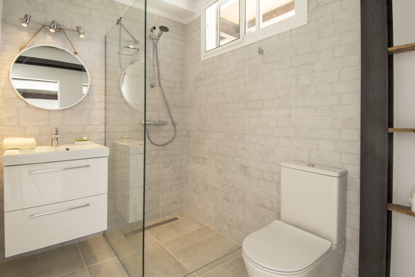 Spain - Canary Islands - La Palma - Tazacorte - Casa Alma Marina - bathroom en-suite ground floor