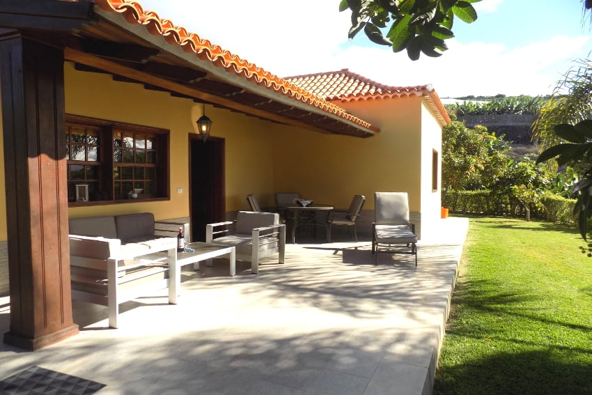 Spain - Canary Islands - La Palma - La Punta - Casa Paula - comfortable garden terrace with cozy lounge for relaxing holidays