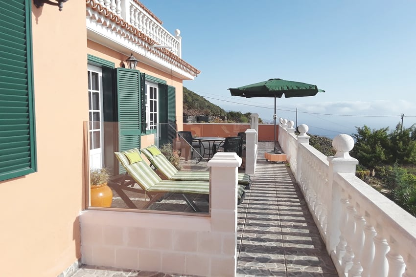 Spain - Canary Islands - La Palma - Mazo - Villa Monte Breña - Large cozy sun terrace with stunning views
