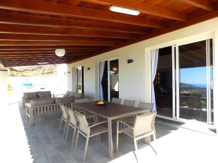 Spain - Canary Islands - La Palma - Tajuya - Villa Royal - spacious terrace with fantastic view overlooking the Aridane valley and the Atlantic Ocean