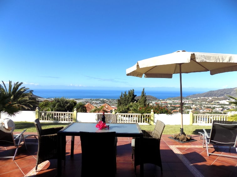 Spain - Canary Islands - La Palma - Los Llanos - Villa Panorámica - Spacious terrace and fantastic ocean view