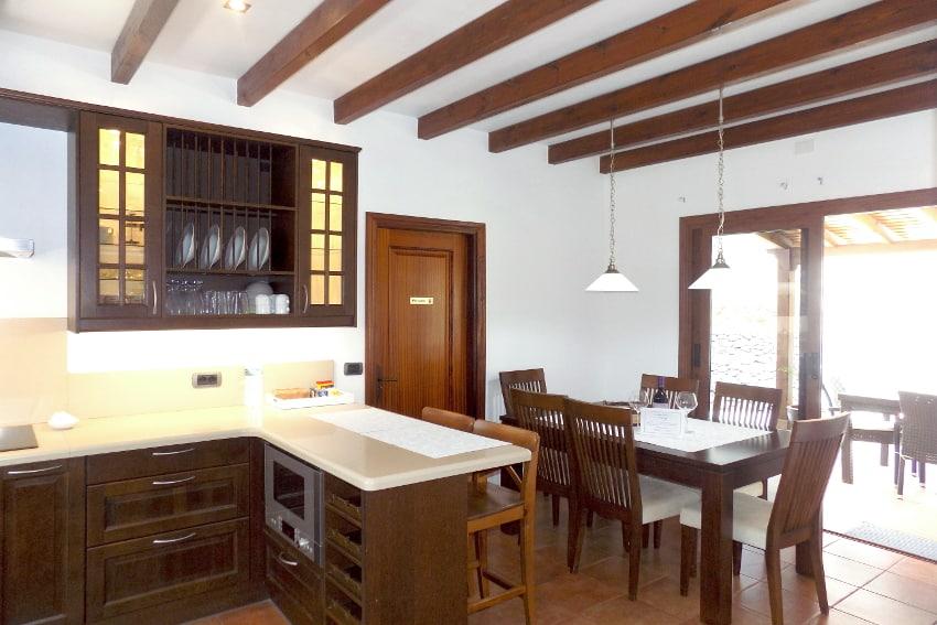 Spain - Canary Islands - El Hierro - Frontera - Villa Mocanes - Kitchen with dining table