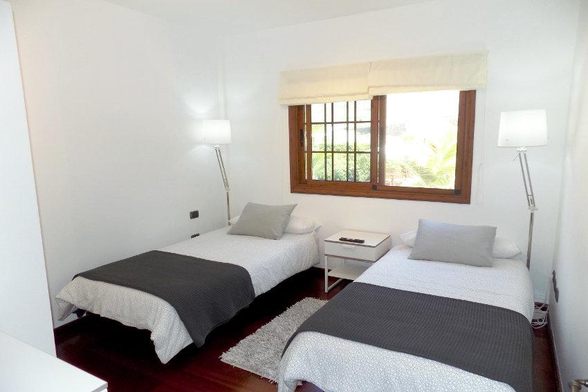 Spain - Canary Islands - El Hierro - Frontera - Villa Mocanes - Single bedroom with SAT-TV