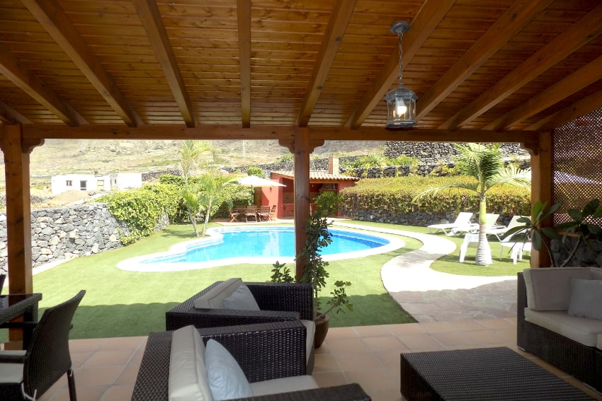 Spain - Canary Islands - El Hierro - Frontera - Villa Mocanes - Terrace with lounge furniture