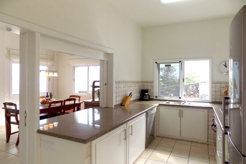 Spain - Canary Islands - El Hierro - Tigaday - Villa Tibataje - Fully equipped American kitchen