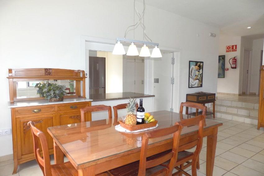 Spain - Canary Islands - El Hierro - Tigaday - Villa Tibataje - Open floor concept between kitchen, living and dining room