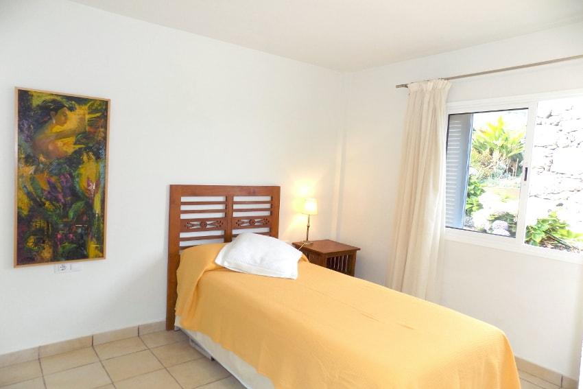 Spain - Canary Islands - El Hierro - Tigaday - Villa Tibataje - Bedroom with single bed and air con