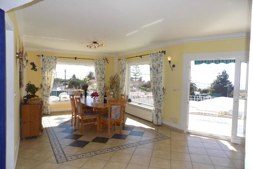 Spain - Canary Islands - La Palma - Tajuya - Casa La Palmera - Living and dining area with direct access to the sun terrace