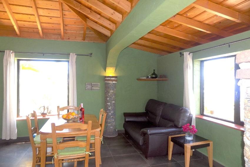 Spain - Canary Islands - La Palma - La Punta - Casa Las Vetas - American kitchen with living and dining area