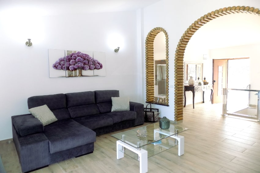 Spain - Canary Islands - El Hierro - Frontera - Villa Tejeguate - Living room with SAT-TV and access to the terrace