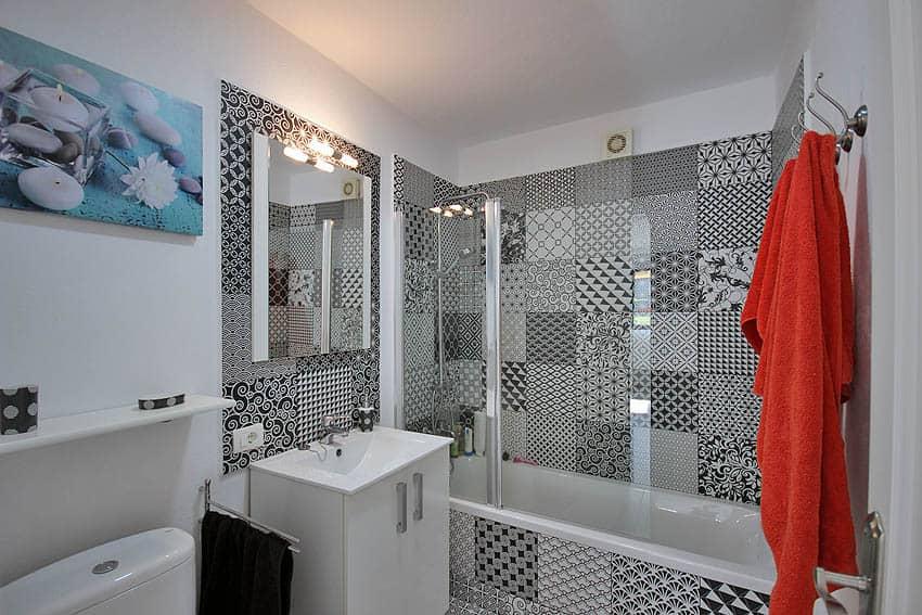 Ferienapartment Verode Puerto Naos: individuell gefliestes Badezimmer