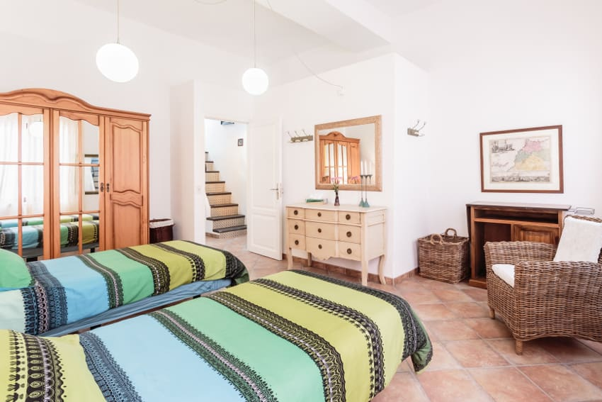 Spain - Canary Islands - La Palma - Tazacorte - Casa Havana - Cozy bright bedroom with single beds and closet