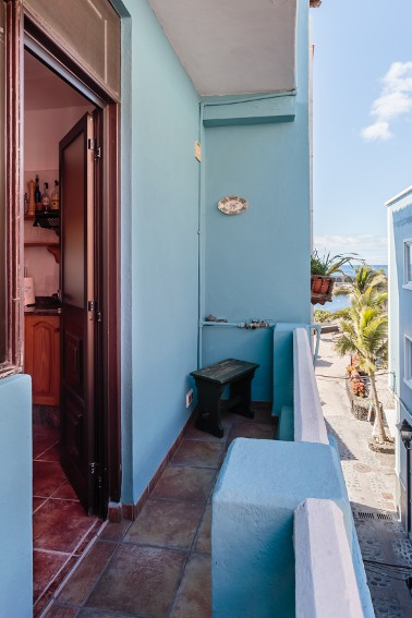 Spain - Canary Islands - La Palma - Tazacorte - Casa Havana - Small balcony with partial ocean and beach view