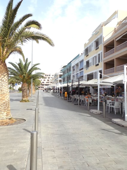 Spain - Canary Islands - La Palma - Puerto Naos - Apartment Mar y Sol - Seafront invites guests to stay