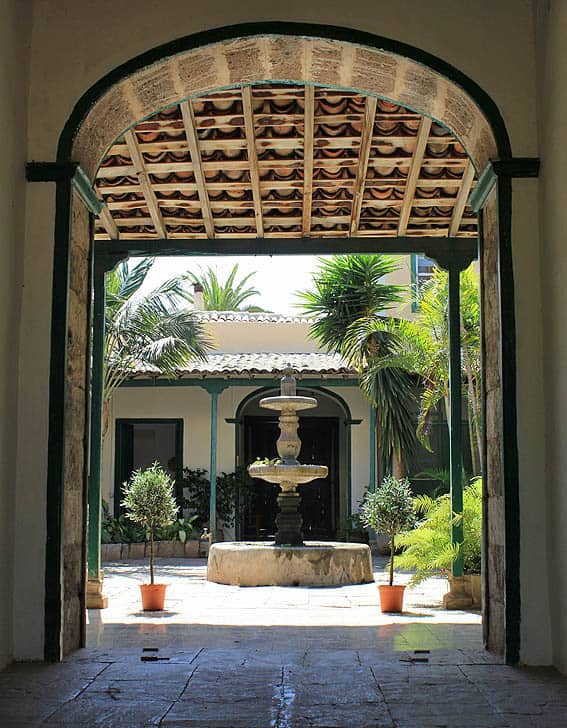 Eingang Innenhof Villa Colonial