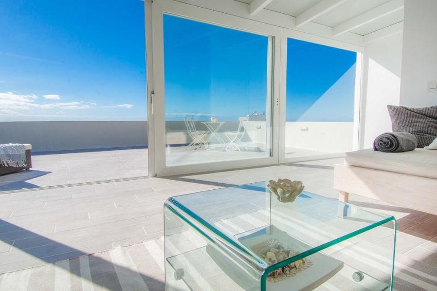España - Islas Canarias - La Palma - Tazacorte - Casa Alma Marina - Vista desde el salón para dormir hacia el mar
