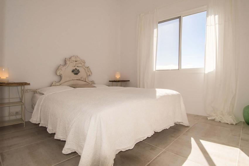 España - Islas Canarias - La Palma - Tazacorte - Casa Alma Marina - Dormitorio con cama doble en la primera planta