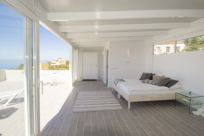 Spanien - Kanarische Inseln - La Palma - Tazacorte - Casa Alma Marina - Schlaflounge mit Bad en-suite